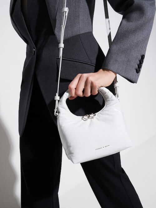 กระเป๋าถือ WRINKLED-EFFECT PUFFY BAG