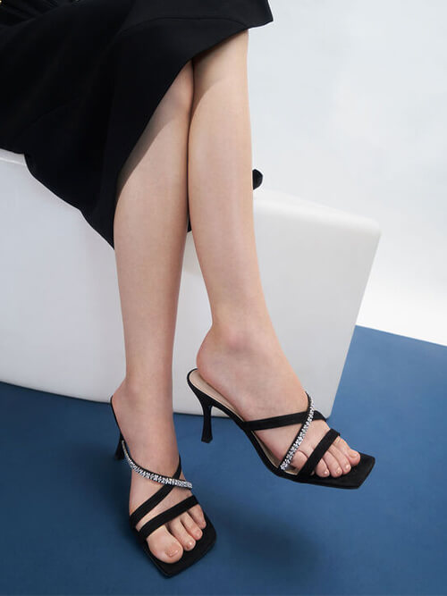 รองเท้าเปิดส้น Textured Gem-Embellished Strappy Mules
